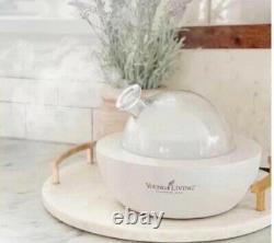 White Aria Diffuser Young Living with 2 Oils (bergamot and cedarwood)