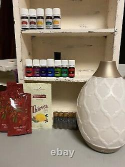 Young Living 12 Essential Oils with Diffuser/Starter Kit Brand New